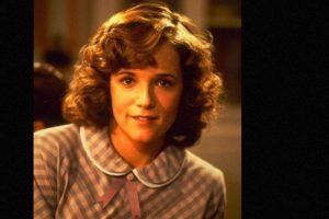 """Lea Thompson era """"Lorraine Baines McFly"""", la joven que se enamora de """"Marty"""" sin saber que será su hijo en el futuro. Foto:vía IMDB. Imagen Por:"""