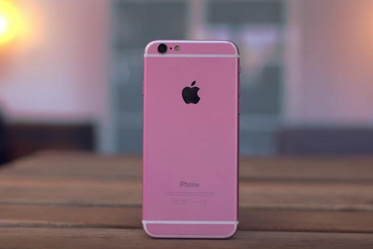 """El color rosa es más fuerte y le falta la letra """"S"""" distintiva del modelo.. Foto:Jonathan Morrison / YouTube. Imagen Por:"""