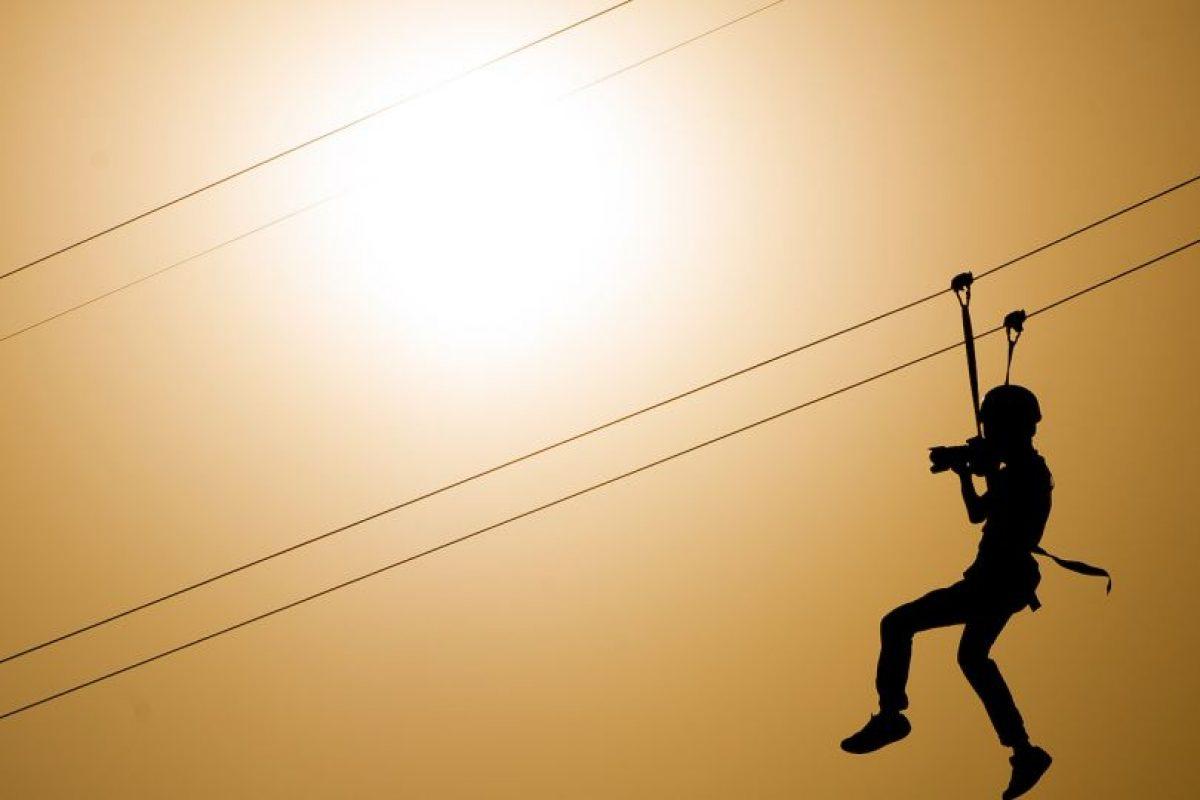 Que consiste en arneses, poleas, cintas de seguridad, guantes y casco protector en perfectas condiciones Foto:Getty Images. Imagen Por: