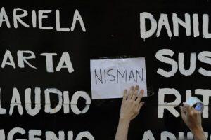 Delimanis no encontró rastros de pólvora, ni manchas de sangre en las manos del fiscal. Foto:AFP. Imagen Por: