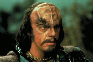 """En 1984 le dio vida al """"Comandante Kruge"""" en la tercera película de """"Star Trek"""" Foto:IMDB. Imagen Por:"""