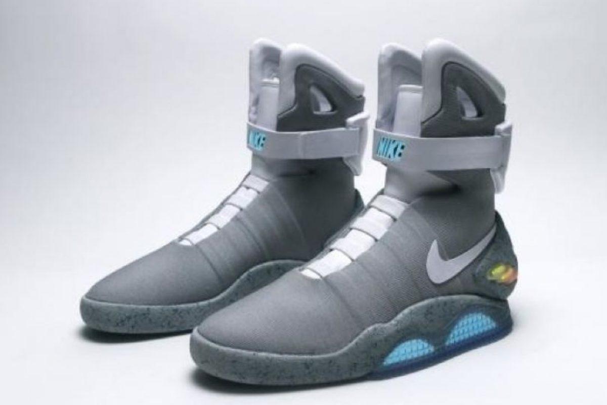 """Según informes de varios medios, los zapatos deportivos se llamarán """"Nike Air MAG"""" Foto:Vía Twitter. Imagen Por:"""