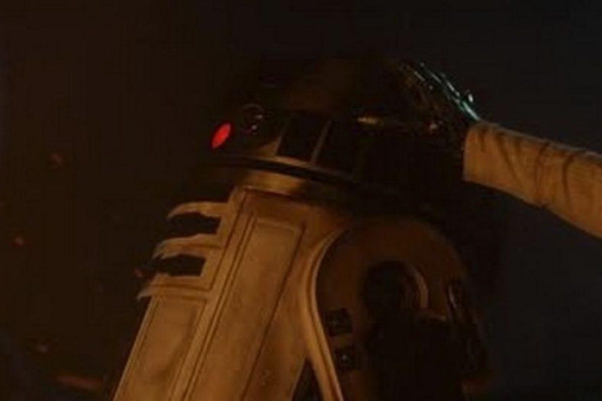 R2D2 y Luke F Foto:Lucasfilm. Imagen Por: