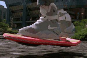 Seguimos esperando comprar una patineta voladora. Foto:Universal Pictures. Imagen Por: