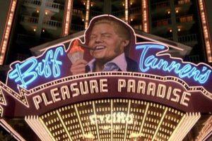 """Mientras que """"Biff"""" el """"Pleasure Paradise"""" Foto:Universal Pictures. Imagen Por:"""