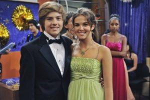 """Inició su carrera en la serie de Disney Channel, """"Zack y Cody"""". Foto:vía instagram.com/zoeydeutch. Imagen Por:"""