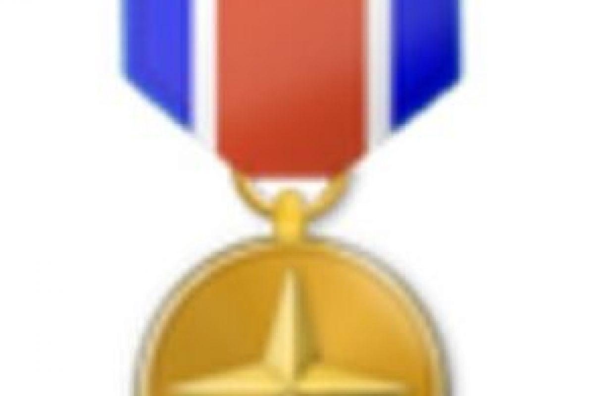 Medalla militar. Foto:vía emojipedia.org. Imagen Por:
