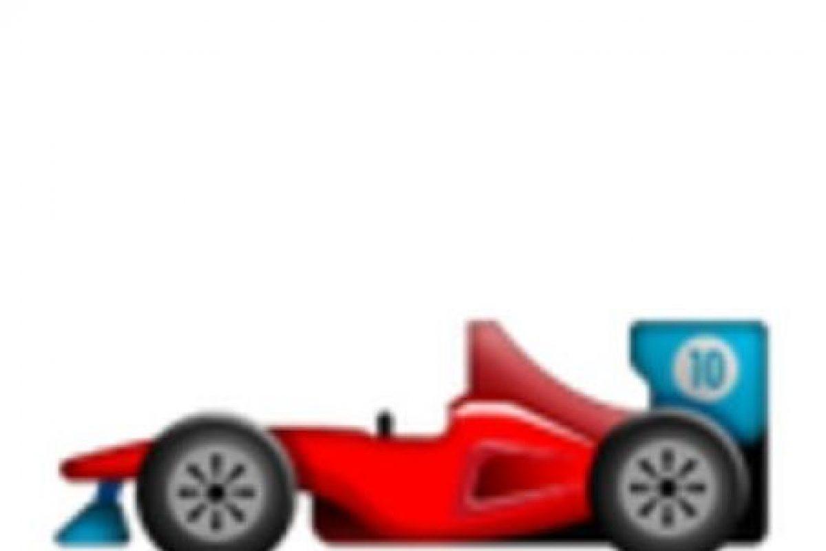 Ferrari rojo. Foto:vía emojipedia.org. Imagen Por: