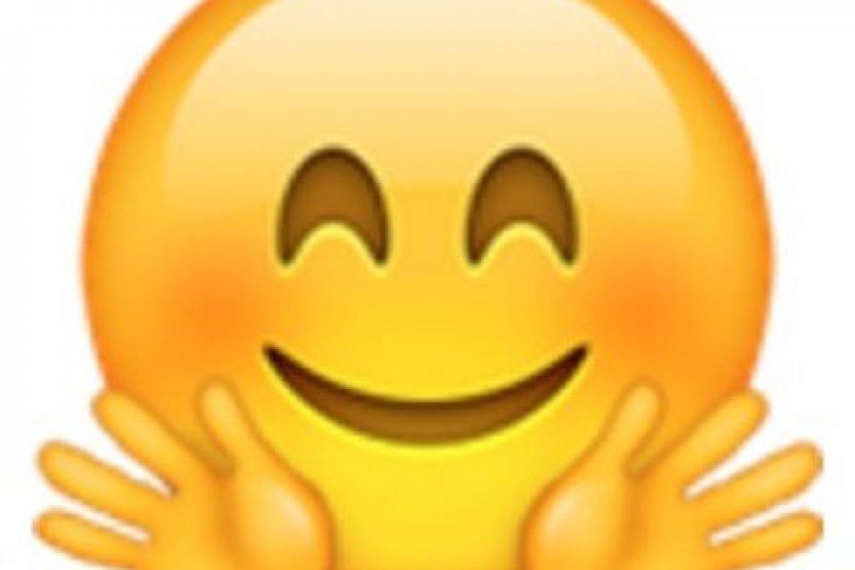 Rostro sonrojado con manos extendidas. Foto:vía emojipedia.org. Imagen Por: