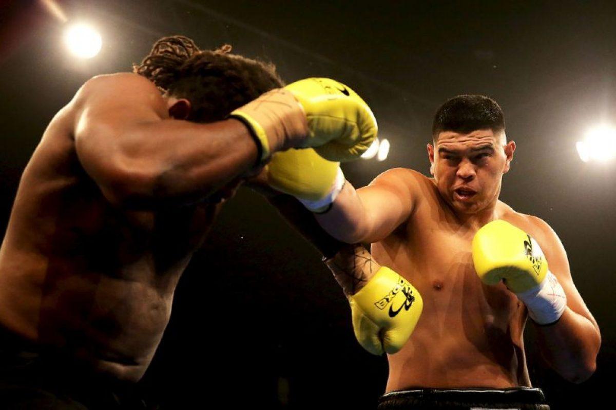 La última pelea que sostuvo fue contra Leamy Lakopo Tato. Foto:Getty Images. Imagen Por:
