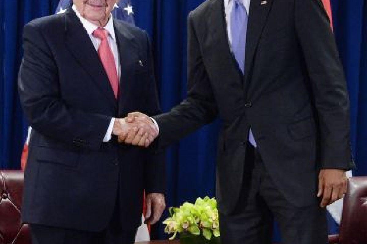 Así como el encuentro entre el presidente de Cuba, Raúl Castro y el presidente de Estados Unidos, Barack Obama. Foto:Getty Images. Imagen Por: