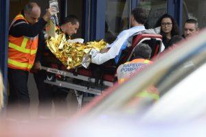 Aún se continúan investigando las causas del accidente, pero se cree que el conductor del camión perdió el control y atravesó al otro lado de la carretera. Foto:AFP. Imagen Por: