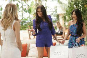 """En 2010, Kim y Khloé Kardashian protagonizaron un cameo en la serie """"90210"""". Foto:The CW. Imagen Por:"""