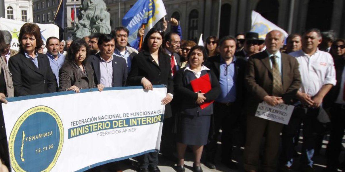 Recurso presentado por trabajadores del Registro Civil para evitar reemplazos es declarado inadmisible