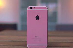 """El color rosa es más fuerte y le falta la letra """"S"""" distintiva del modelo. Foto:Jonathan Morrison / YouTube. Imagen Por:"""