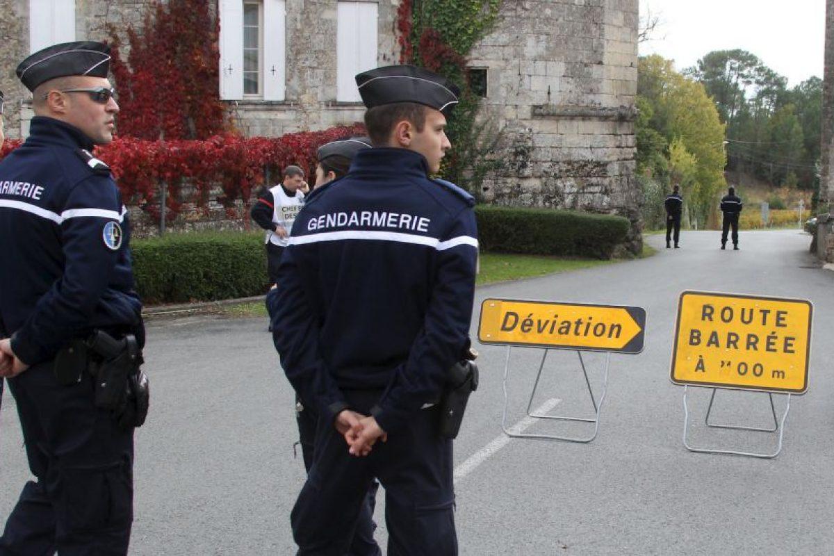 El primer ministro Manuel Valls y el ministro del Interior, Bernard Cazene, se desplazaron al lugar. Desde Grecia, el presidente Francois Hollande expresó sus condolencias por la tragedia. Foto:AP. Imagen Por: