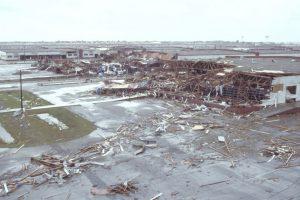El Huracán Asesino o Gilbert. Este ciclón golpeó durante 9 días el Caribe y el Golfo de México en septiembre de 1988. Los muertos fueron 341 muertos, la mayoría en Mexico y cinco mil 500 billones de dólares en pérdidas. Foto:Vía Wikimedia Commons. Imagen Por: