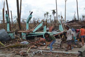 El tifón Haiyan o Yolanda el 2 de noviembre de 2013. Uno de los ciclones tropicales más intensos en la historia moderna. Mató a 6 mil 300 personas. Foto:Vía Wikimedia Commons. Imagen Por: