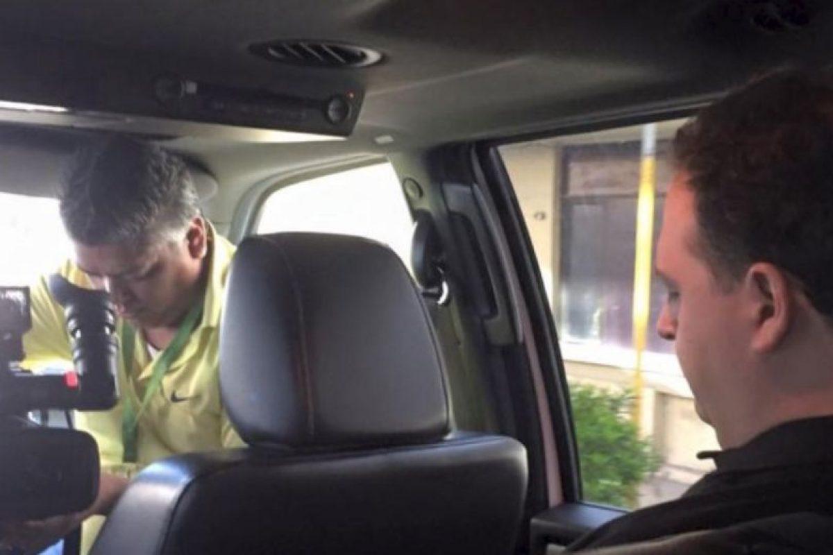 Eso, mientras se escondían. Escobar llegó a vendarles los ojos a los miembros de su familia para que nunca supieran dónde estaban. Foto:vía Facebook/Sebastián Marroquín. Imagen Por: