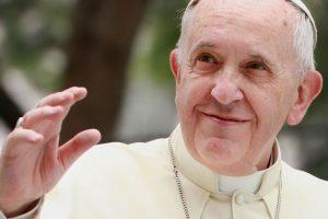 El portavoz del Vaticano, Federico Lombardi, desmintió el miércoles pasado dicha información, asegurando que el Pontífice no presenta tal padecimiento. Foto:Getty Images. Imagen Por: