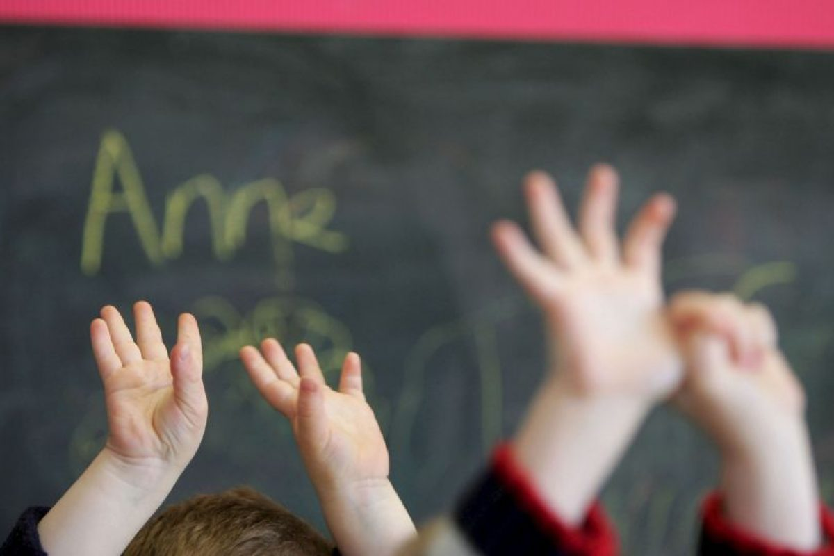 Mientras los niños eran cuidados por otros agentes. Foto:Getty Images. Imagen Por: