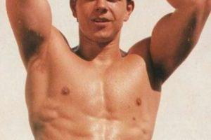 El actor incluso fue retratado con su pezón extra para campañas de moda. Foto:IMDB. Imagen Por: