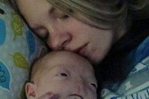 Aquí Timothy con su mamá Foto:Vía Facebook. Imagen Por: