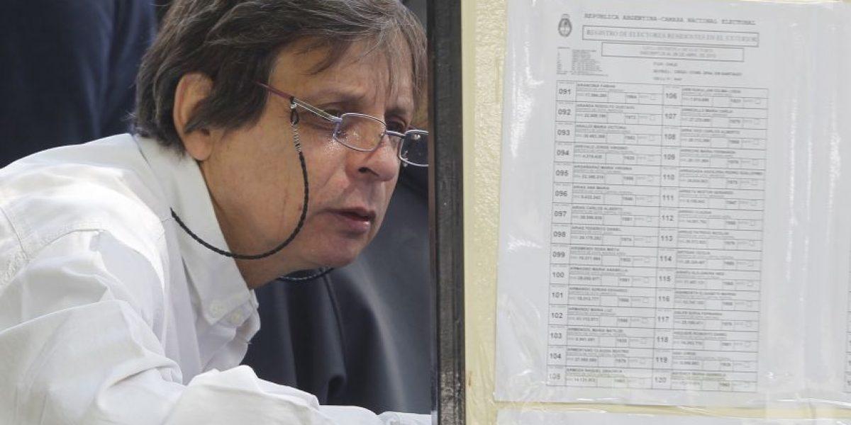 Argentinos acuden a las urnas en Chile también