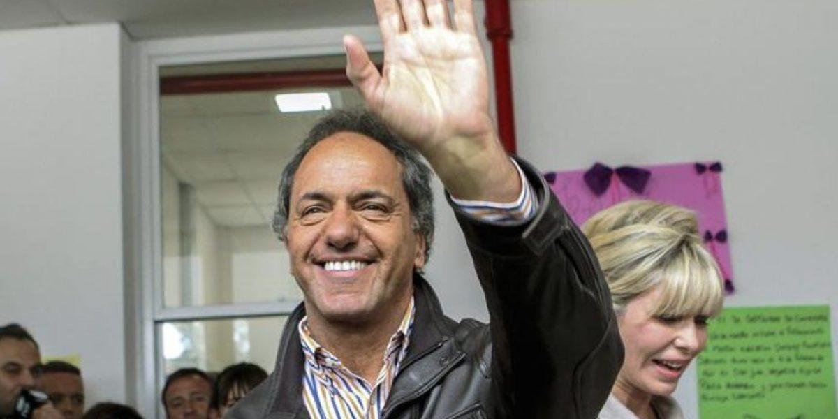 Primeros sondeos en Argentina le dan la ventaja a Scioli