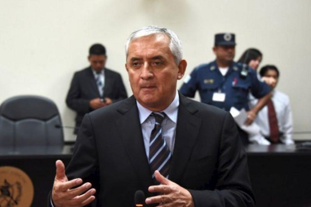 El 2 de septiembre de 2015 renunció a la Presidencia de la República luego de ser desaforado por el Congreso un día antes. Foto:AFP. Imagen Por: