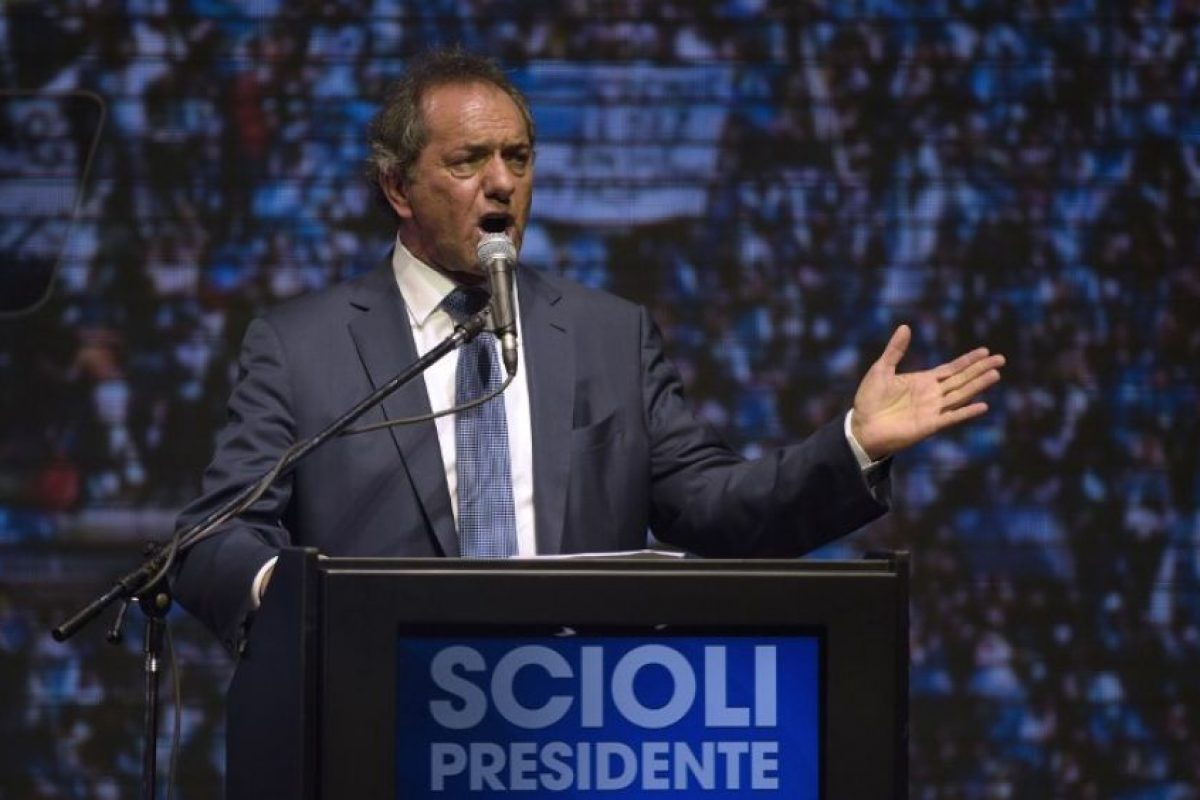 """Mientras Scioli anunciaba una """"victoria"""" Foto:AFP. Imagen Por:"""