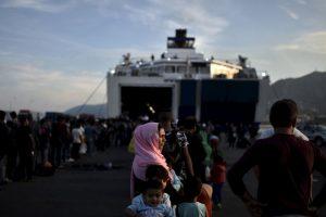 Estos evitaron que se ahogara en el Mar Egeo, parte del mar Mediterráneo. Foto:AFP. Imagen Por: