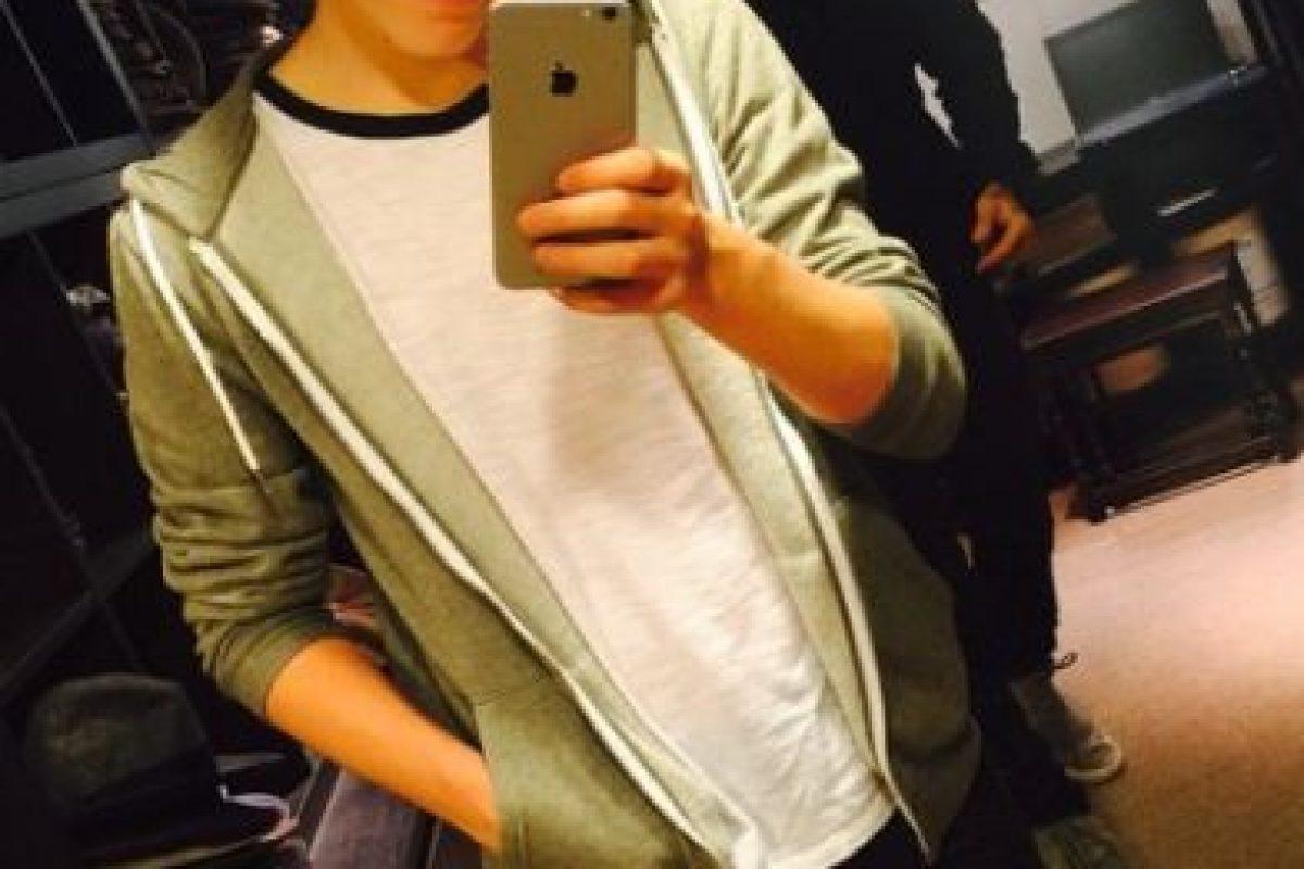 """""""Mi madre sabe mucho sobre moda. Pero obviamente escucho a mi padre pues él tiene un gran estilo y compartimos ropa"""", señaló el joven de 16 años. Foto:vía instagram.com/brooklynbeckham. Imagen Por:"""