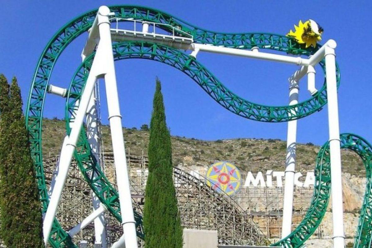 Parque: Terra Mítica. Localización: Benidorm, Alicante, España. Altura: 26 m. Velocidad: 60 km/h. Longitud: 142 m. Caída: 22 m Foto:Wikimedia. Imagen Por: