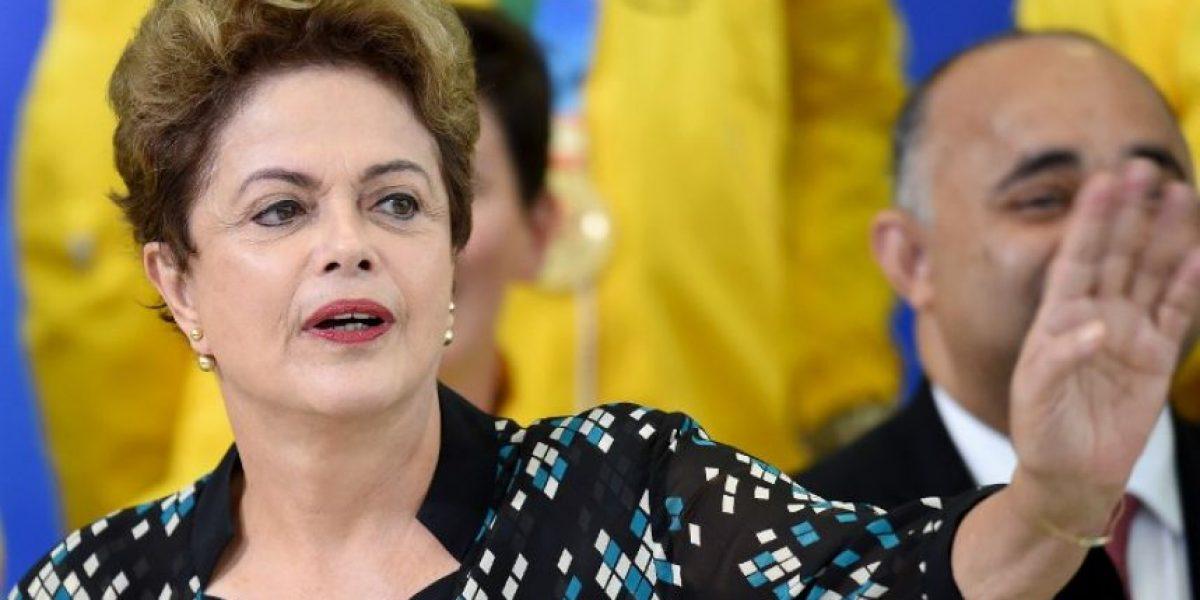 Apoyo a gobierno de Rousseff se mantiene en mínimos históricos