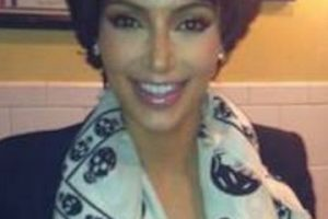 Y como olvidar cuando se disfrazó de su mamá, Kris Jenner Foto:vía twitter.com/kimkardashian. Imagen Por: