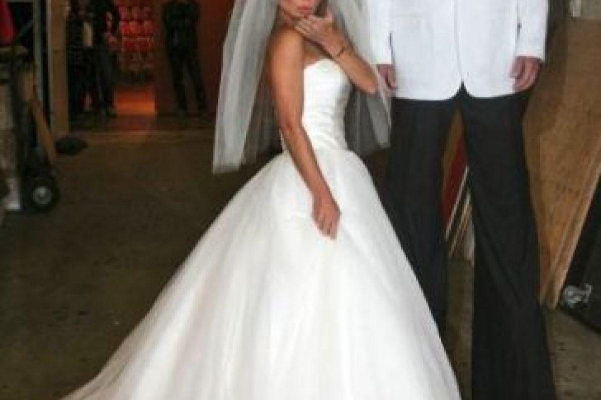 En 2011, Kelly Ripa y Nick Lachey se disfrazaron como Kim Kardashian y Kris Humphries en su boda. Foto:Getty Images. Imagen Por: