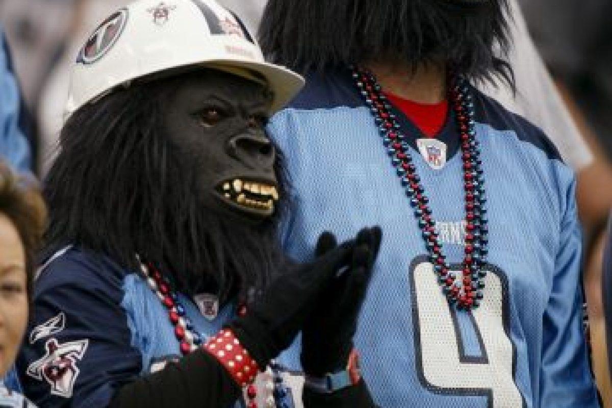 """Estos seguidores de los Titans de Tenesse llegaron del """"Planeta de los Simios"""". Foto:Getty Images. Imagen Por:"""