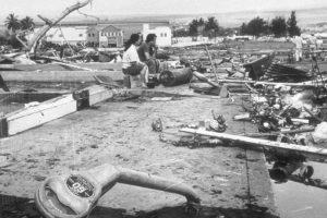 Destrozos del tsunami provocados por el gran terremoto de Valdivia en Hilo, Hawaii el 22 de mayo de 1960. Foto:Fotos Históricas de Chile. Imagen Por: