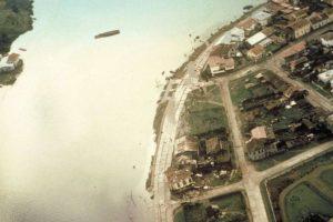 Vista aérea destrozos provocados por el terremoto y tsunami de Valdivia el 22 de mayo de 1960. Foto:Fotos Históricas de Chile. Imagen Por: