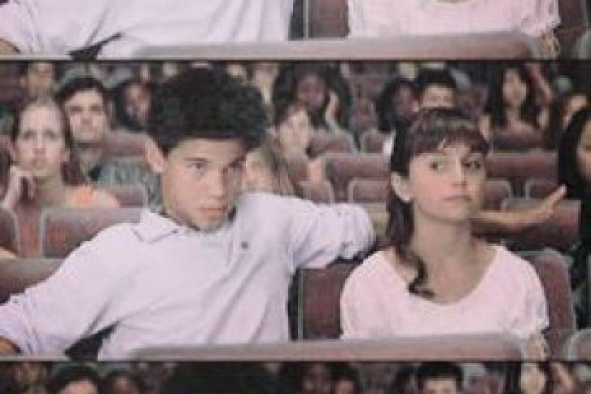 """Como el galán de la pequeña """"Sarah"""". Foto:vía YouTube. Imagen Por:"""