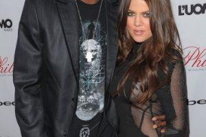 Después de casarse Khloé Kardashian se convirtió Khloé Kardashian Odom, y la pareja se tatuó las iniciales del otro en sus manos (LO&KO). Foto:Getty Images. Imagen Por: