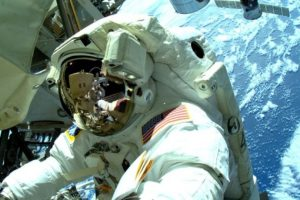 3. Cada traje espacial se diseña específicamente para cada astronauta Foto:Getty Images. Imagen Por: