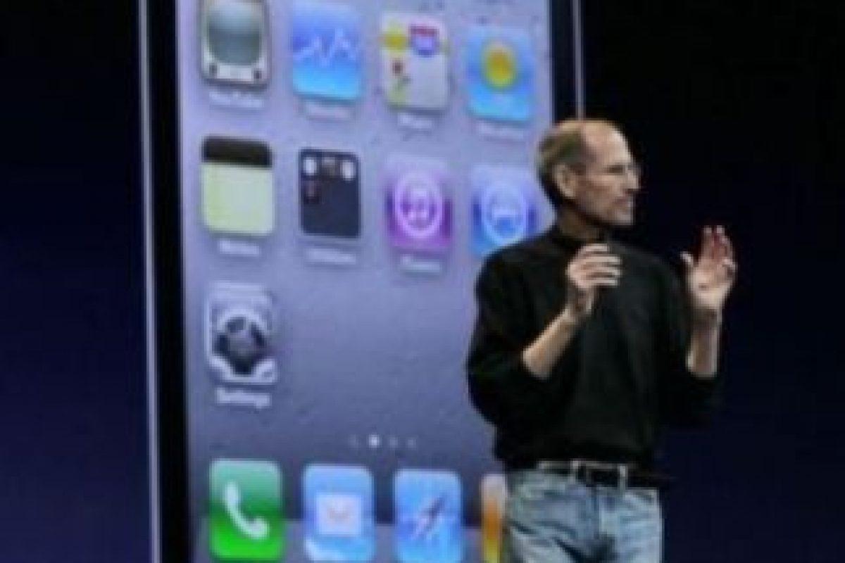 Steve Jobs anunció el iPhone 4 el 7 de junio de 2010 en la WWDC. Foto:Getty Images. Imagen Por: