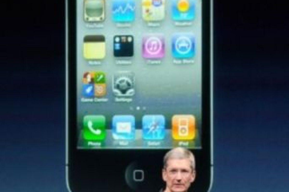 Tim Cook, actual CEO de Apple, presentó el iPhone 4s el 4 de octubre de 2011. Foto:Getty Images. Imagen Por: