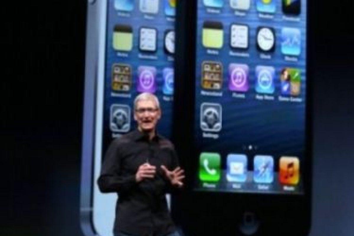 Tim Cook en la presentación del iPhone 5 el 12 de septiembre de 2012. Foto:Getty Images. Imagen Por: