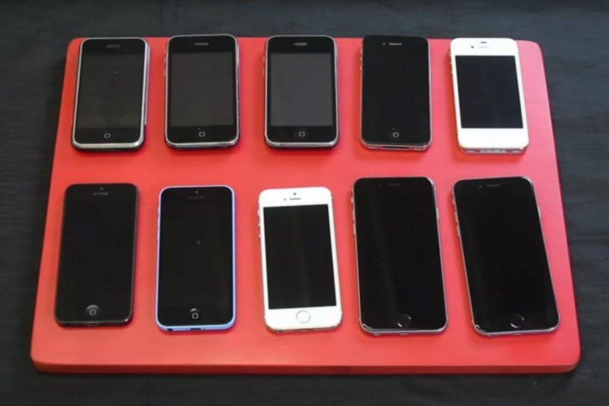 ¿Qué le pasará a todas las versiones del iPhone cuando las hunden en agua? Foto:Zach Straley / YouTube. Imagen Por: