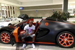 El último de ellos que se compró fue este Bugatti Veyron de 3.5 millones de dólares. Foto:Vía instagram.com/FloydMayweather. Imagen Por: