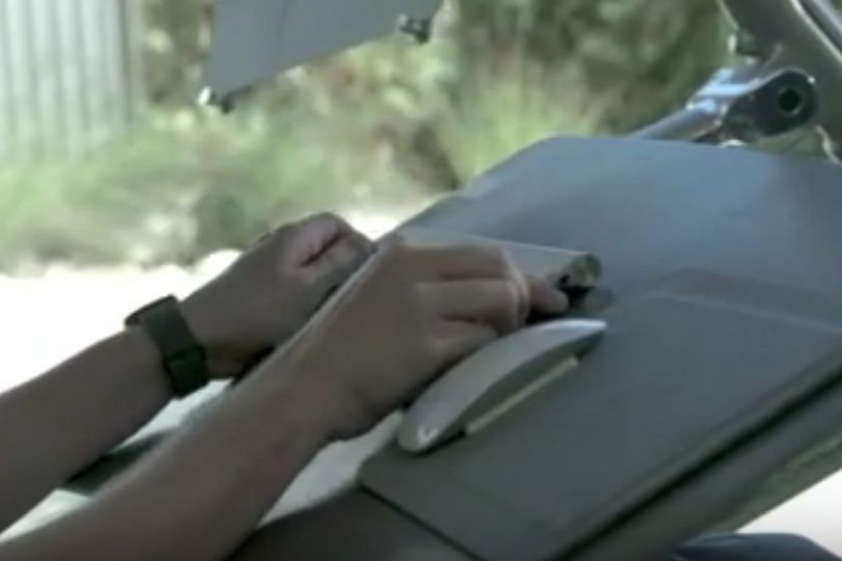 Y también adaptarse para trabajar acostados. Foto:Vía Youtube/AltWork-. Imagen Por: