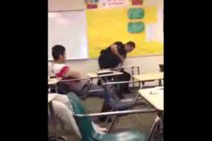 Los testigos aseguran que la estudiante inició el mal momento. Foto:Vía Youtube. Imagen Por: